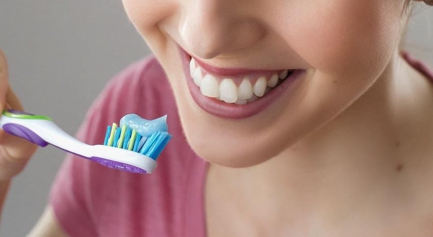 Cuida tus dientes evitando estos malos hábitos